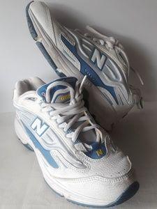 New Balance Womens 6.5 B Vtg. Crosstrainer Shoes